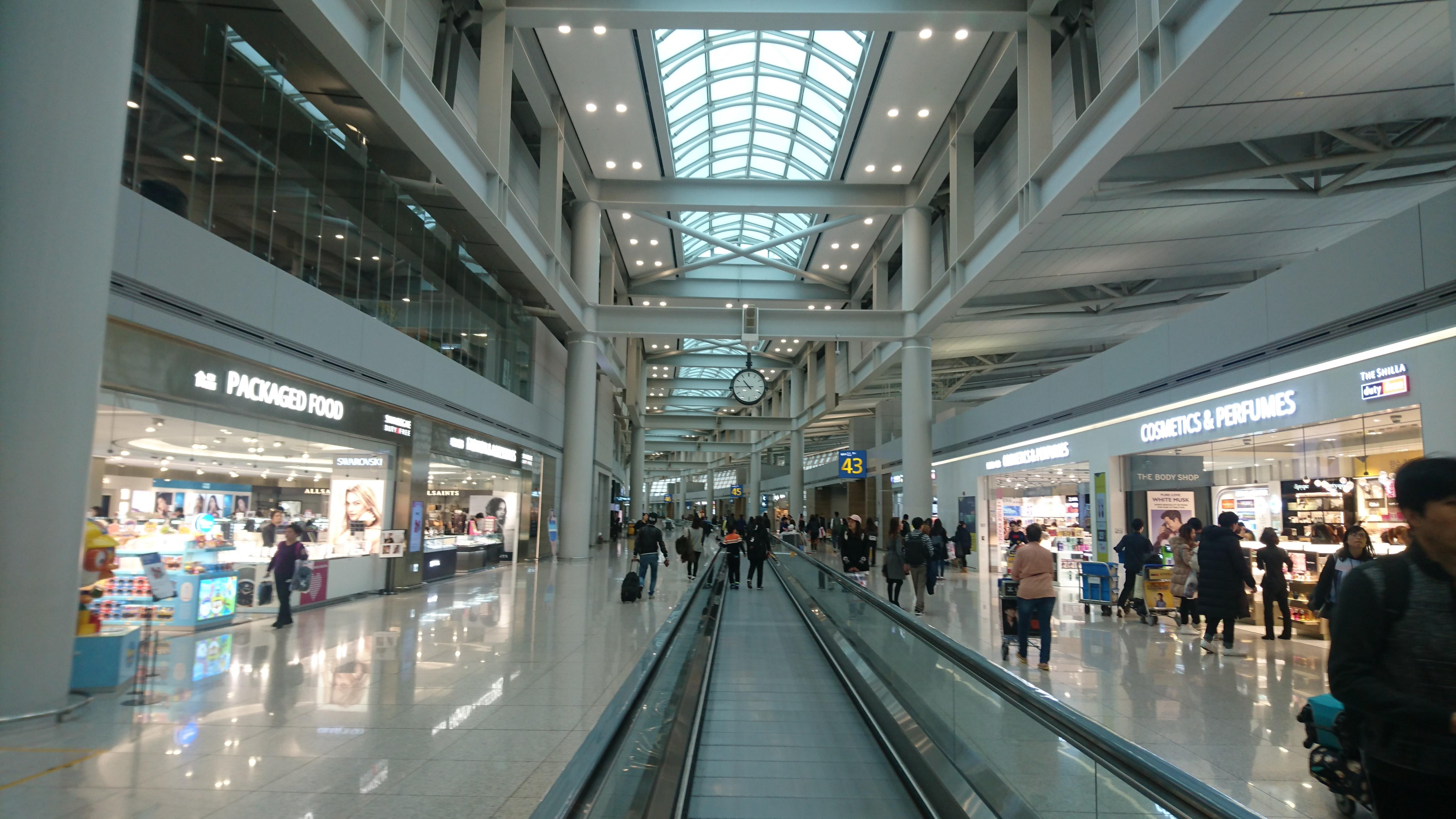 出国審査をへた旅客ターミナル3階