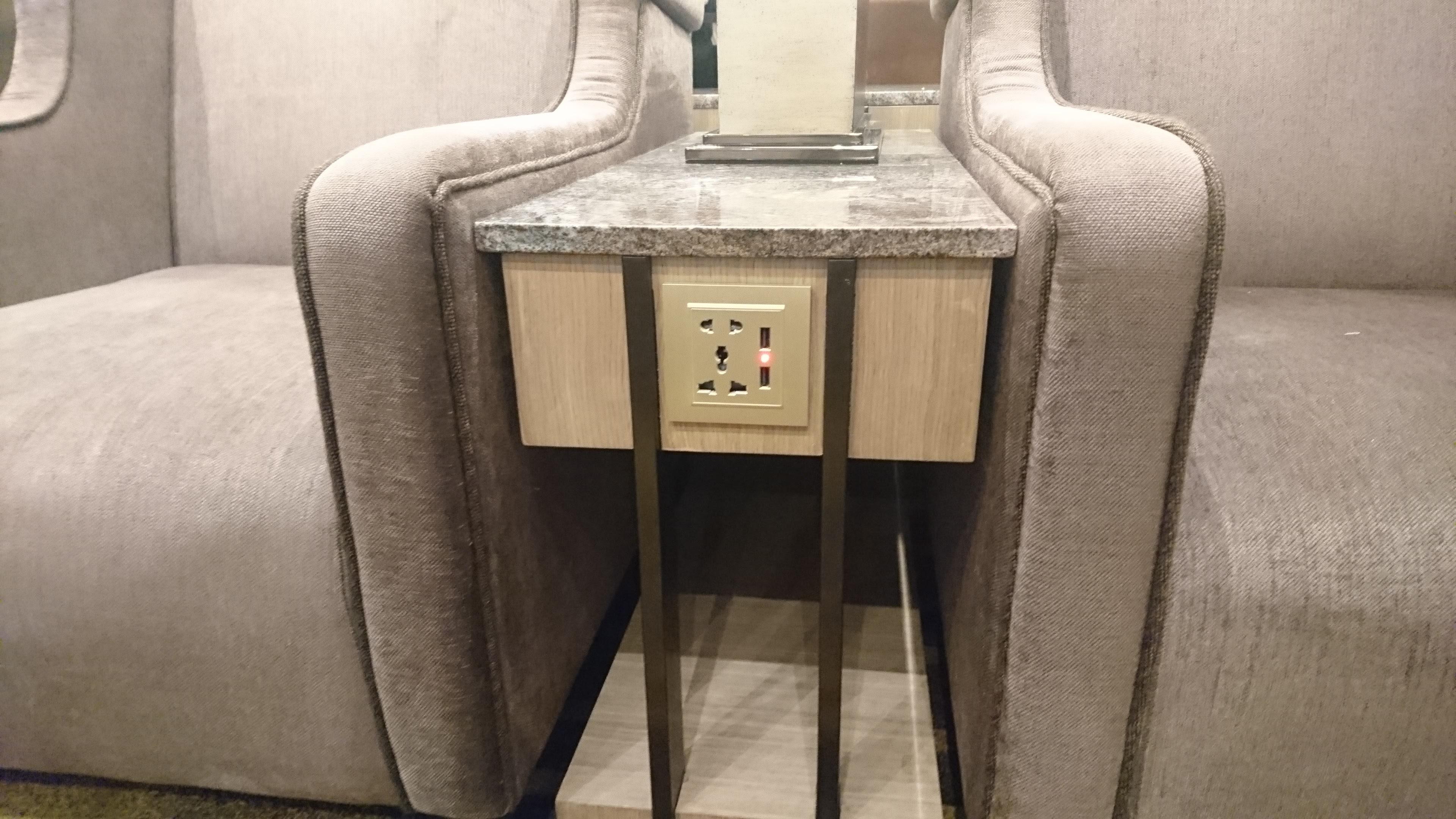 座席ごとの電源が確保